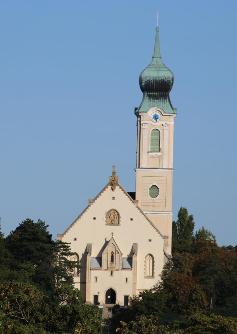 Die Pfarrkirche Mistelbach von außen