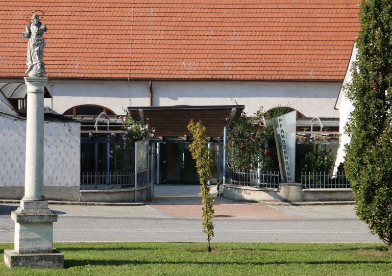 Pfarrzentrum Mistelbach von außen
