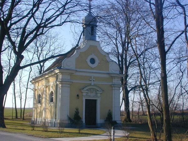 Außenansicht der Kirche Ebendorf